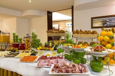 Petit Déjeuner - Hôtel Aston La Scala Nice - Photo Francis Vauban
