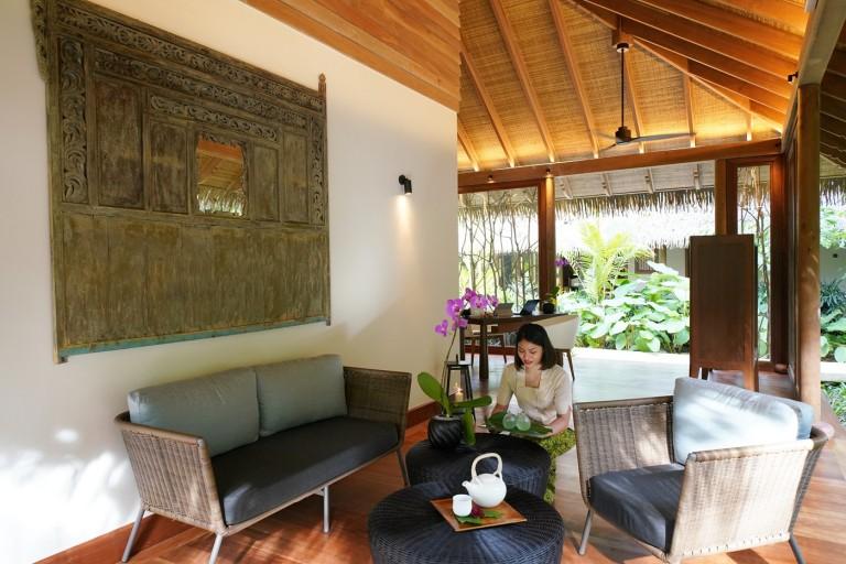 Pedi:Mani:Cure  Bastien Gonzalez, The Spa, The Datai Langkawi, Langkawi island, Malaysia.