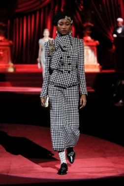 Dolce&Gabbana_Woman's Fashion show FW19-20_FIRST SELECTION (11)