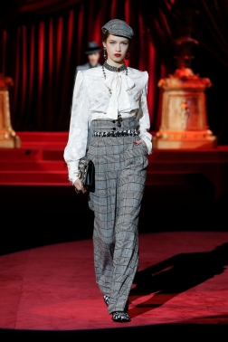 Dolce&Gabbana_Woman's Fashion show FW19-20_FIRST SELECTION (28)