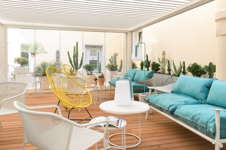 The DECK Hotel by Happy Culture - Patio