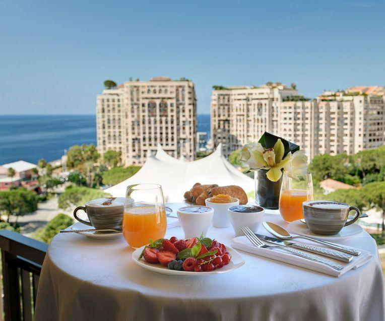 Breakfast-Offer-Columbus-Monte-Carlo
